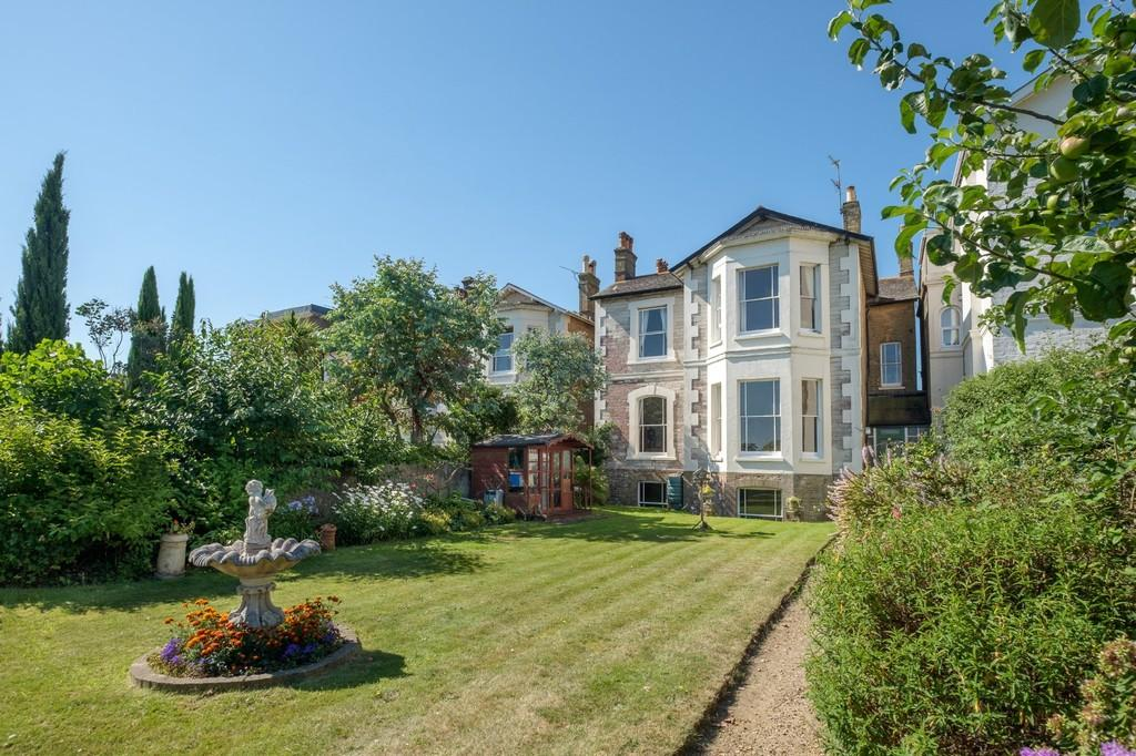 6 Bedrooms Detached House for sale in The Strand, Ryde