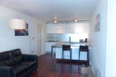 1 bedroom apartment to rent - Beetham Tower, Birmingham