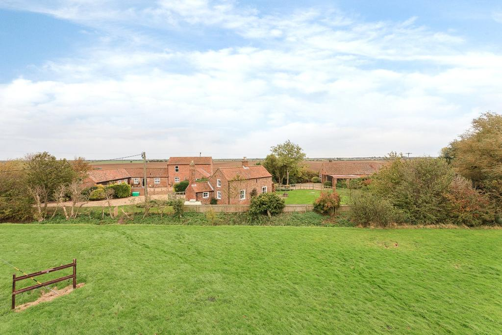 4 Bedrooms Detached House for sale in Stain Glebe Farm, Huttoft Road, Sutton-on-Sea, Lincolnshire, LN12