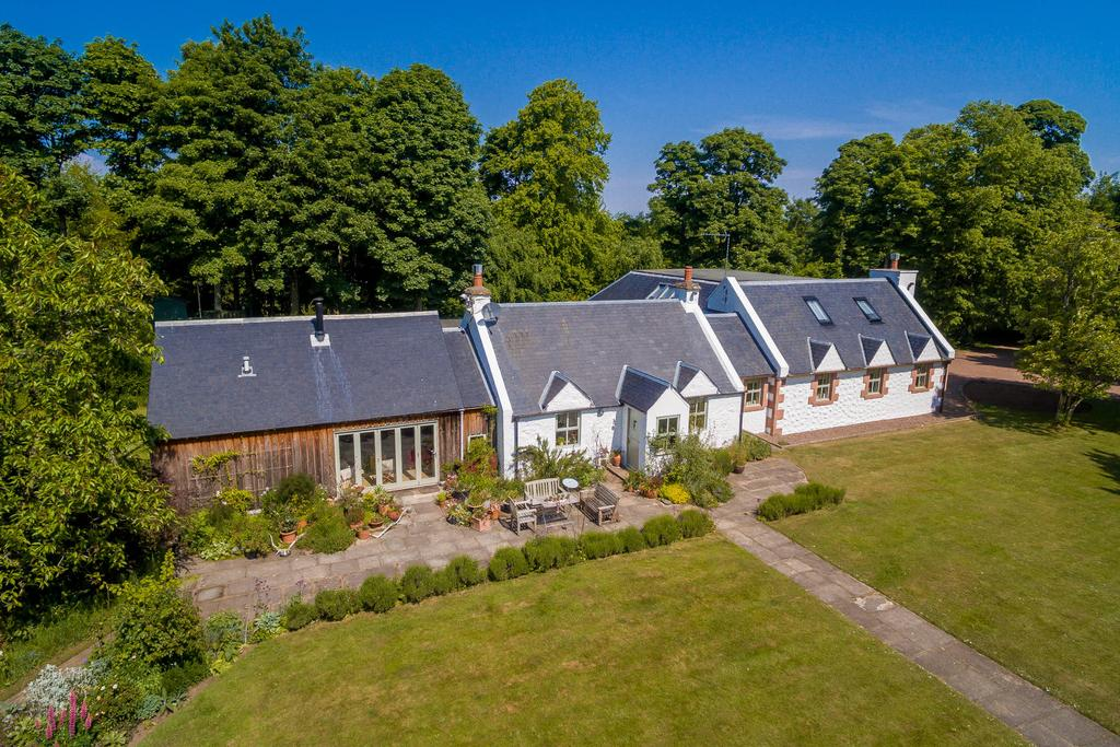 6 Bedrooms Detached House for sale in West Drive House, Kamehill, East Linton, EH40 3DZ