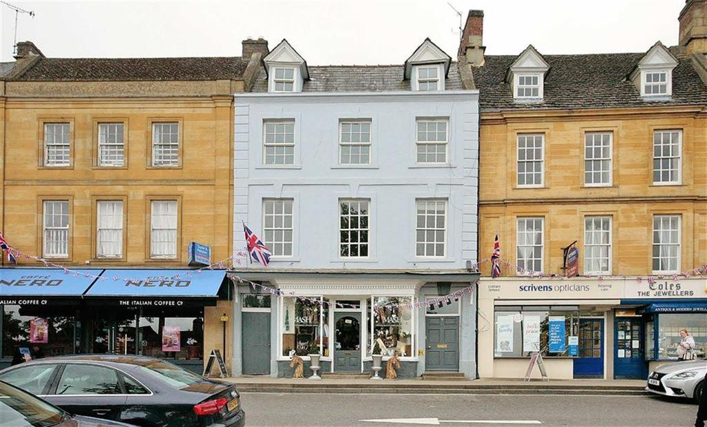 4 Bedrooms Town House for sale in High Street, Chipping Norton, Oxfordshire