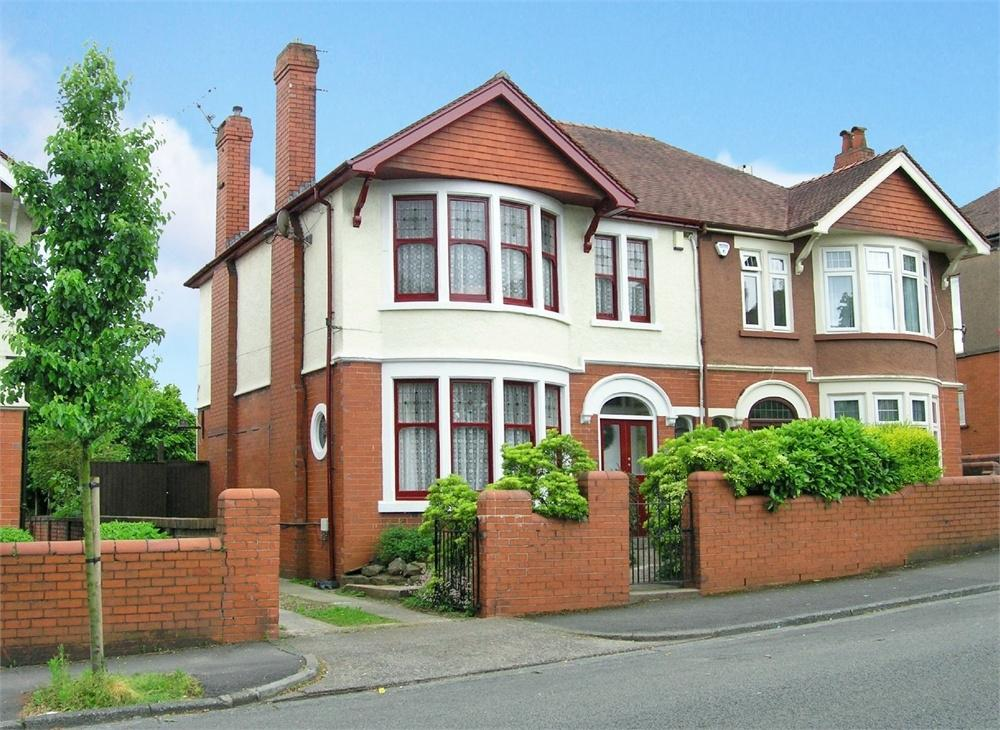 4 Bedrooms Semi Detached House for sale in Colchester Avenue, Penylan, Cardiff