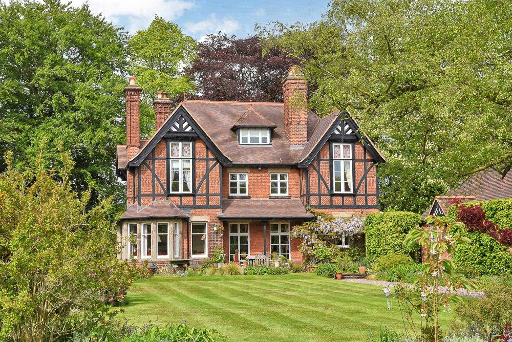 6 Bedrooms Detached House for sale in Colwich, Stafford