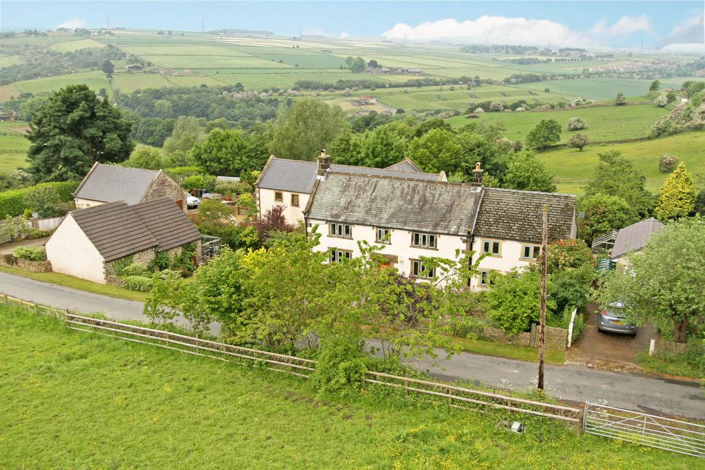 4 Bedrooms Equestrian Facility Character Property for sale in Roper House Lane, Thurgoland, Sheffield