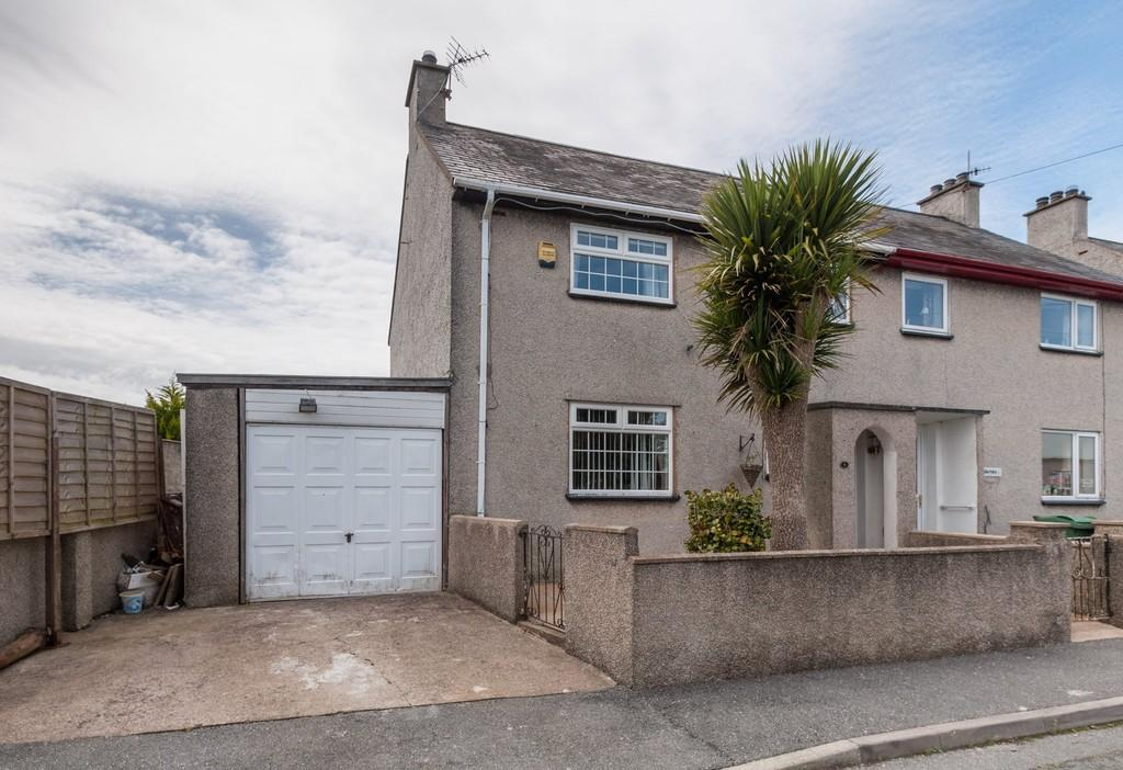 2 Bedrooms Semi Detached House for sale in Llanbedrog, Pwllheli, North Wales