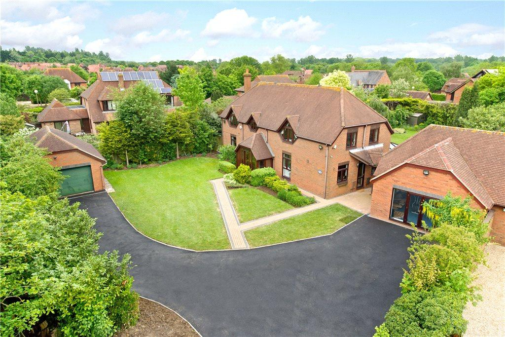 4 Bedrooms Detached House for sale in Pattison Lane, Woolstone, Milton Keynes, Buckinghamshire