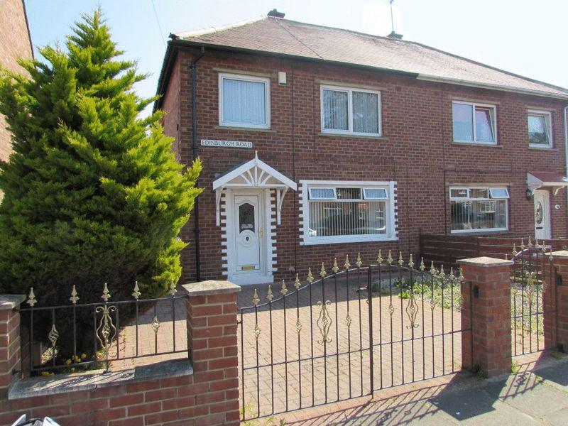 3 Bedrooms Semi Detached House for sale in Edinburgh Road, Jarrow - Three Bedroom Semi Detached Property