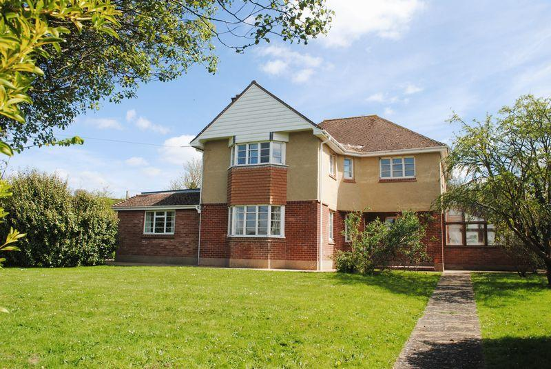 4 Bedrooms Detached House for sale in Shorwell