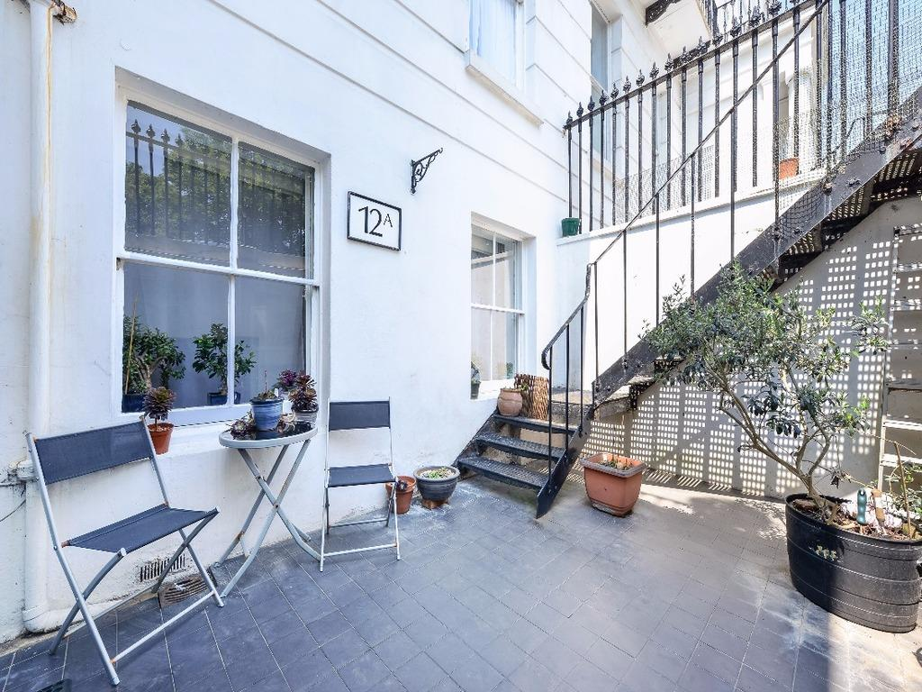 1 Bedroom Flat for sale in Sussex Square Brighton East Sussex BN2