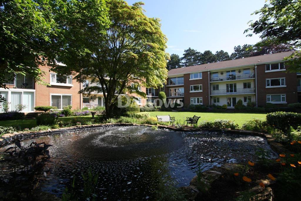 2 Bedrooms Flat for sale in Cranford House, Brooklea Park, Lisvane, Cardiff