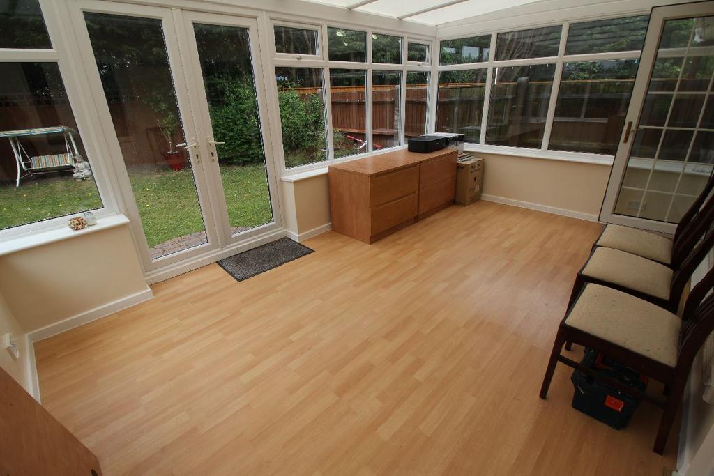 3 Bedrooms Semi Detached House for sale in Blackhurst Road
