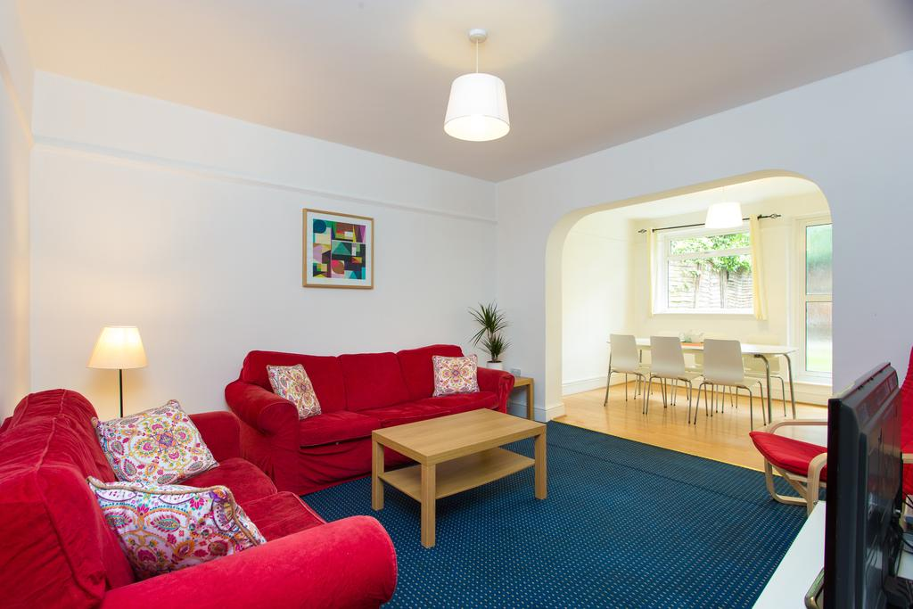 5 Bedrooms House for sale in Hoylake Road, Acton