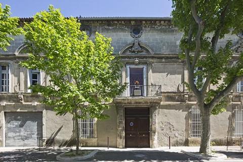 5 bedroom house  - Tarascon, Bouches Du Rhone, Bouches Du Rhone, Provence