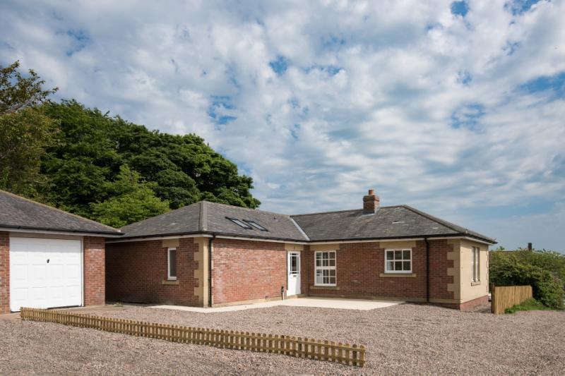3 Bedrooms Detached Bungalow for sale in Lindisfarne Bungalow, Market Place, Belford, Northumberland