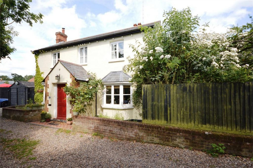 5 Bedrooms Detached House for sale in Willowbank, Church Street, Great Dunmow