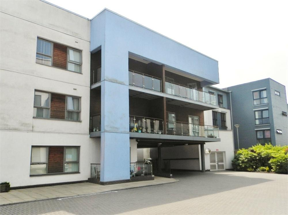 2 Bedrooms Flat for sale in Flat 209, Mariners Court, Lamberts Road, SWANSEA, West Glamorgan