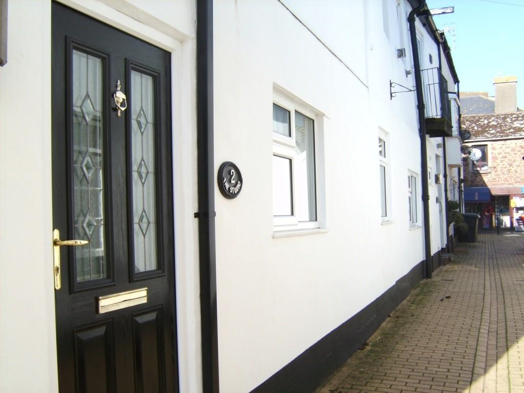 2 Bedrooms Ground Flat for sale in Stanley Street, Teignmouth, TQ14 8EE