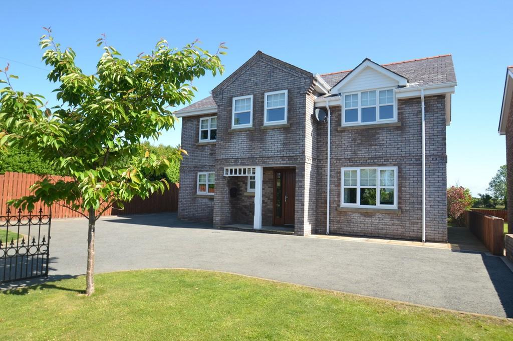 4 Bedrooms Detached House for sale in Llangristiolus, Anglesey, North Wales