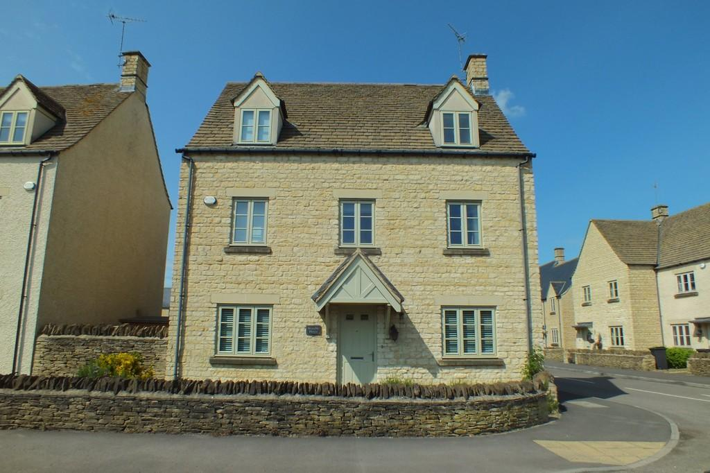 4 Bedrooms Detached House for sale in Kemble