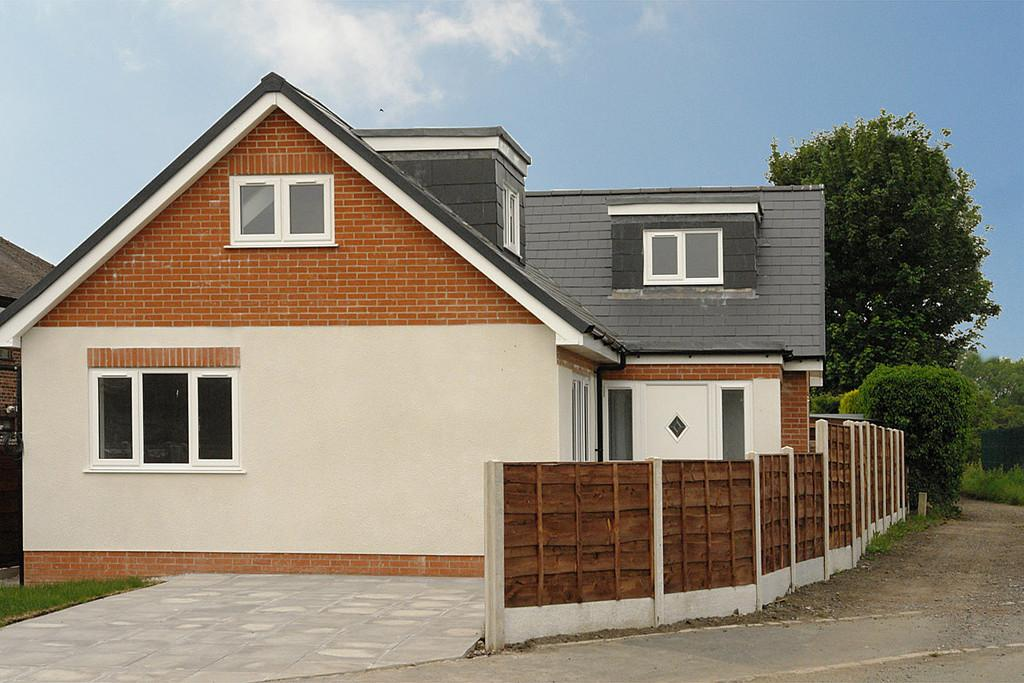 4 Bedrooms Detached House for sale in Nimble House, 451 Foxdenton Lane, Chadderton