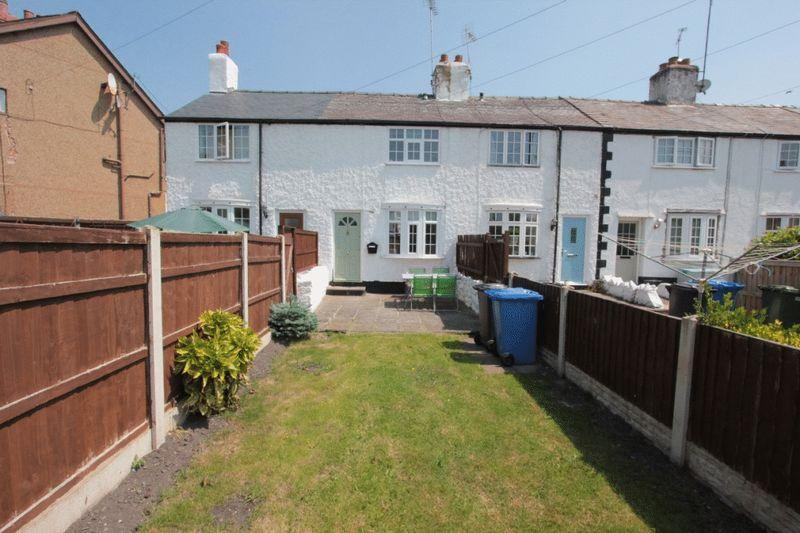2 Bedrooms Terraced House for sale in Elwy Terrace, Luke Street, St. Asaph