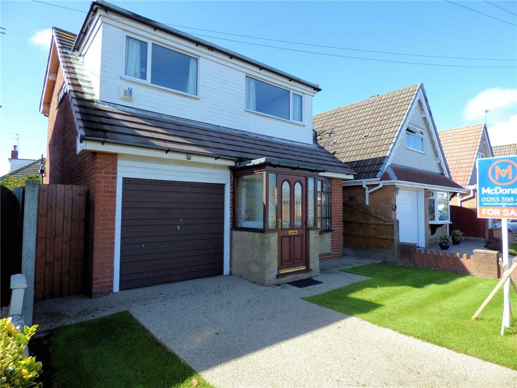 3 Bedrooms Detached House for sale in Halton Gardens, Blackpool, Lancashire