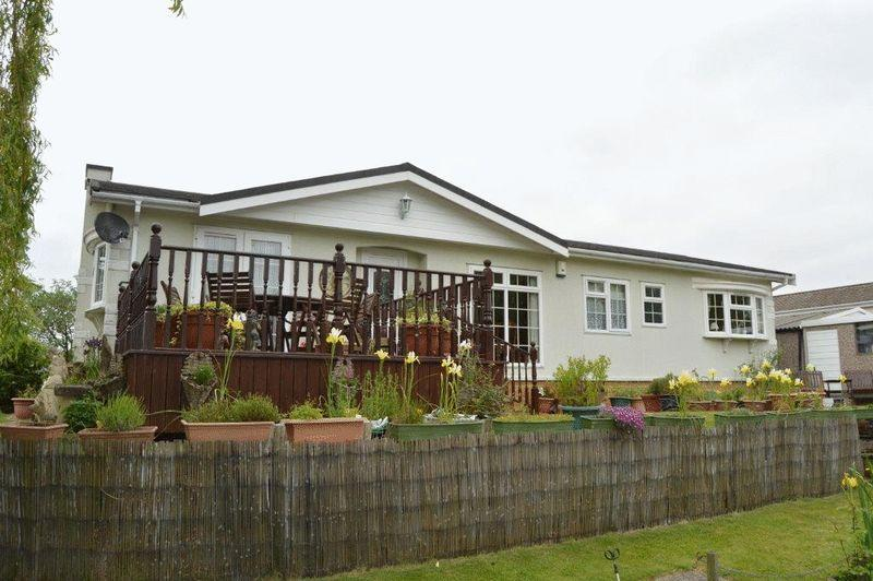 2 Bedrooms Cottage House for sale in Barton Broads, Maltkiln Road, Barton upon Humber