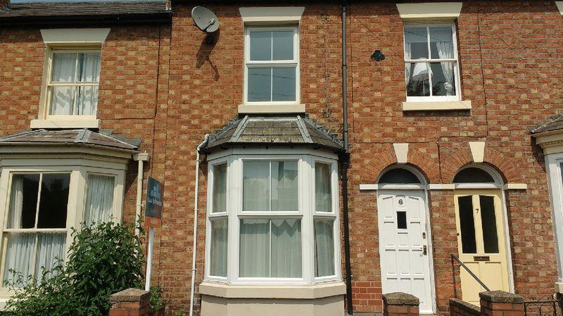 2 Bedrooms Terraced House for sale in Burton Street, Castlefields, Shrewsbury, SY1 2JW