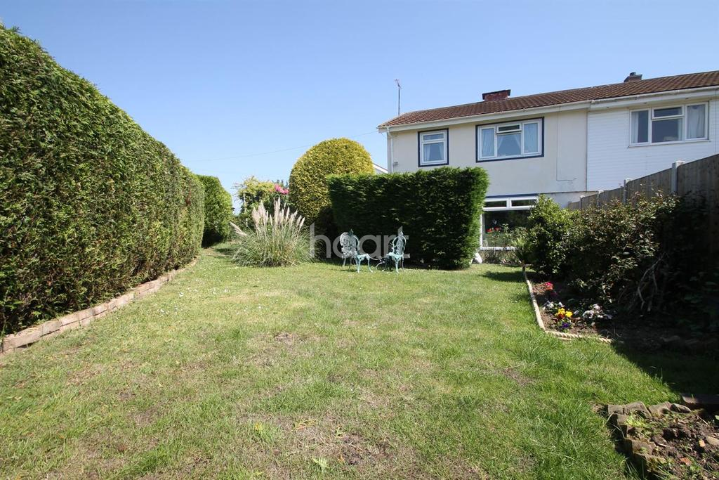 3 Bedrooms Semi Detached House for sale in Deanery Gardens, Braintree