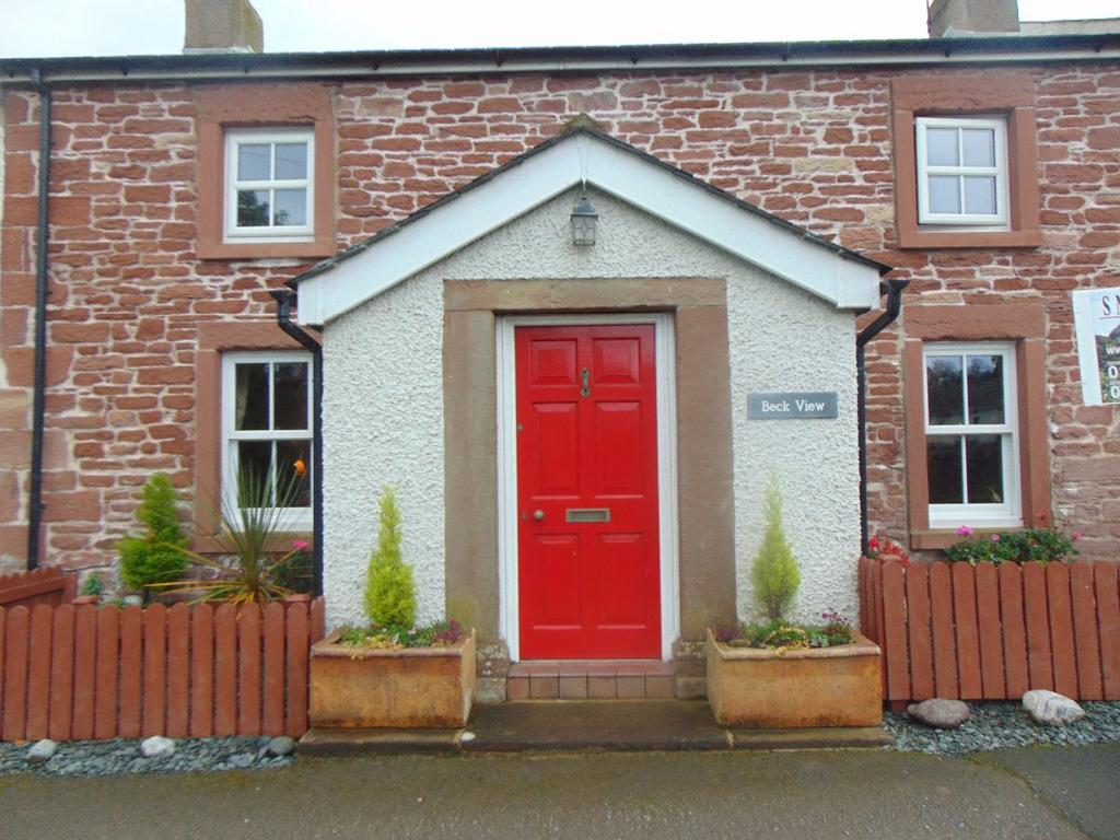 3 Bedrooms Cottage House for sale in Beck View, West Newton, Cumbria, CA7 3PH