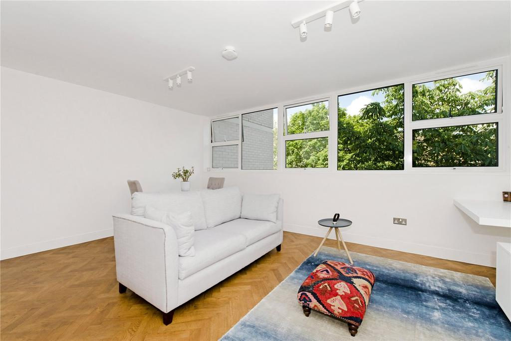 1 Bedroom Flat for sale in North Rise, St. Georges Fields, Connaught Village, London