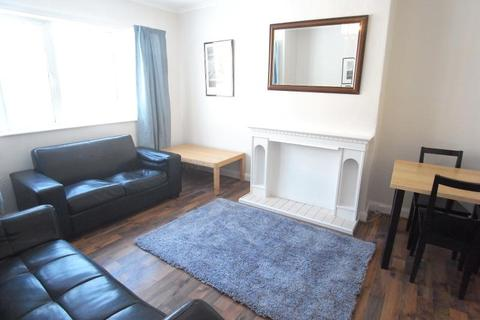 2 bedroom flat to rent - SANDRINGHAM CRESCENT, MOORTOWN, LEEDS LS17 8DE