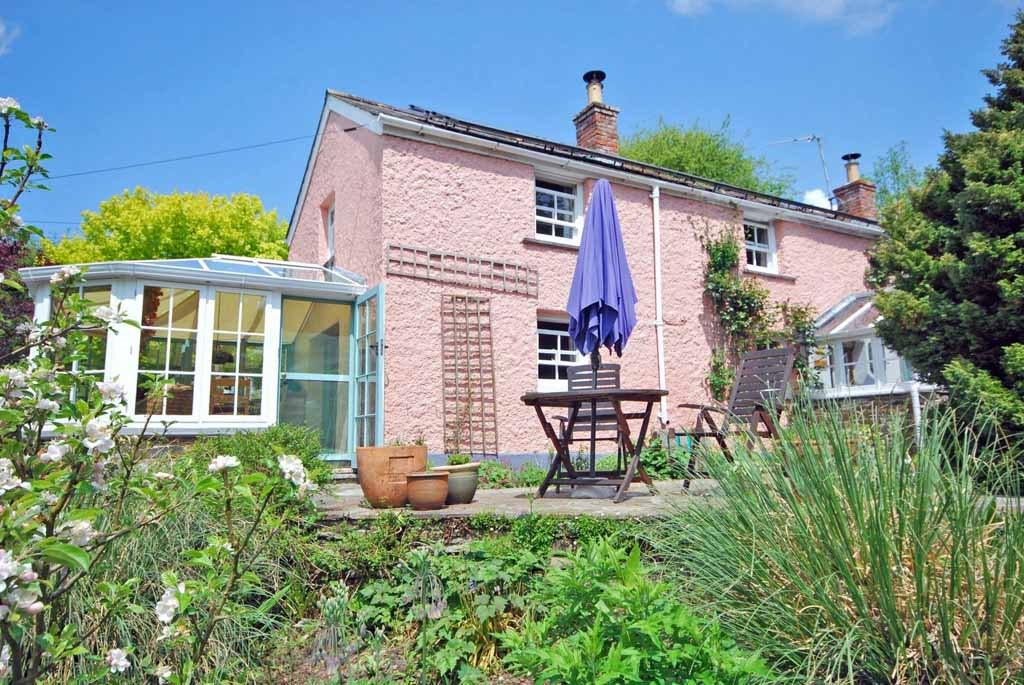 3 Bedrooms Detached House for sale in Nanstallon, Bodmin, Cornwall, PL30