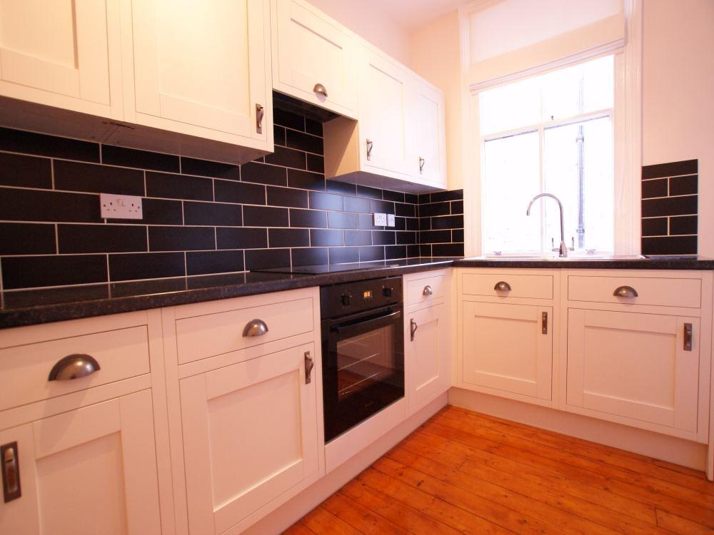 2 Bedrooms Cottage House for rent in The Cottage, Mount Vale, York
