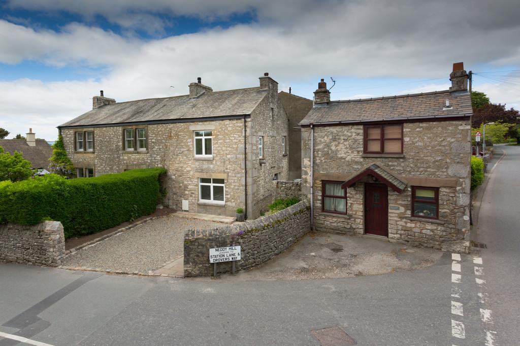2 Bedrooms Cottage House for sale in Laurel Bank Cottage,Neddy Hill, Burton-In-Kendal, Carnforth, Lancashire, LA6 1JE