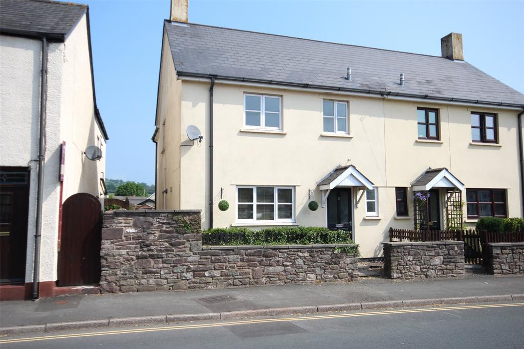 3 Bedrooms Semi Detached House for sale in Drovers Cottage, Newgate Street, Brecon, Powys