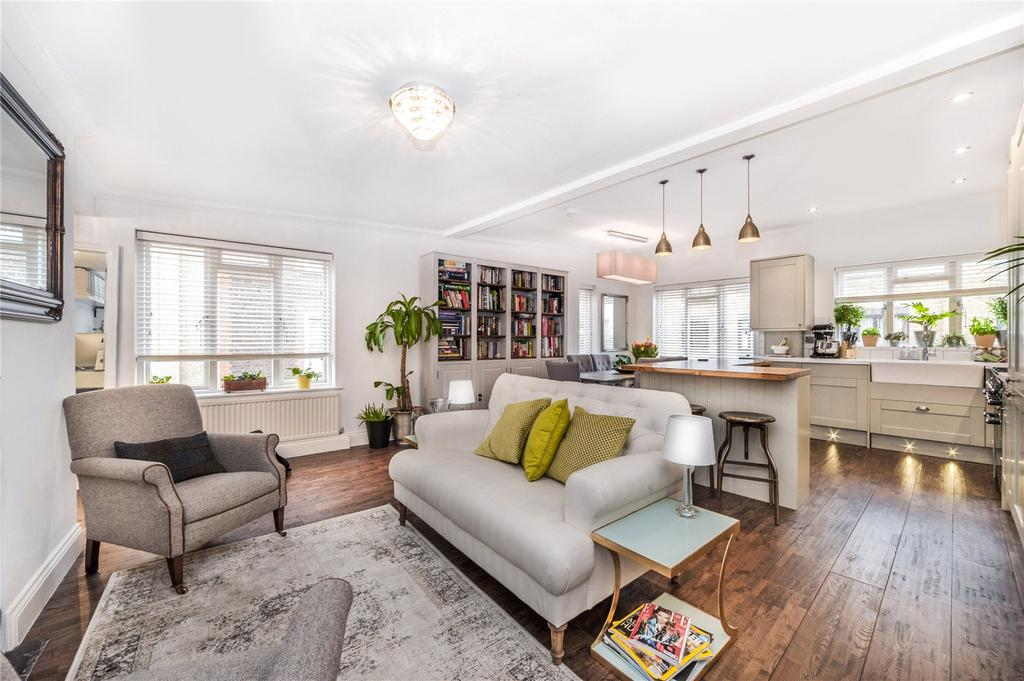 2 Bedrooms Flat for sale in Nottingham Court, Covent Garden, London