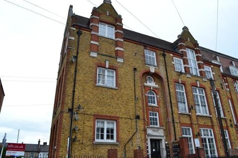 2 bedroom flat to rent - Gatton Road, Tooting, London, Greater London, SW17 0EE