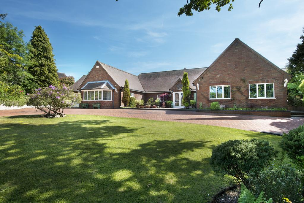 6 Bedrooms Detached House for sale in Hill Lane Bassets Pole