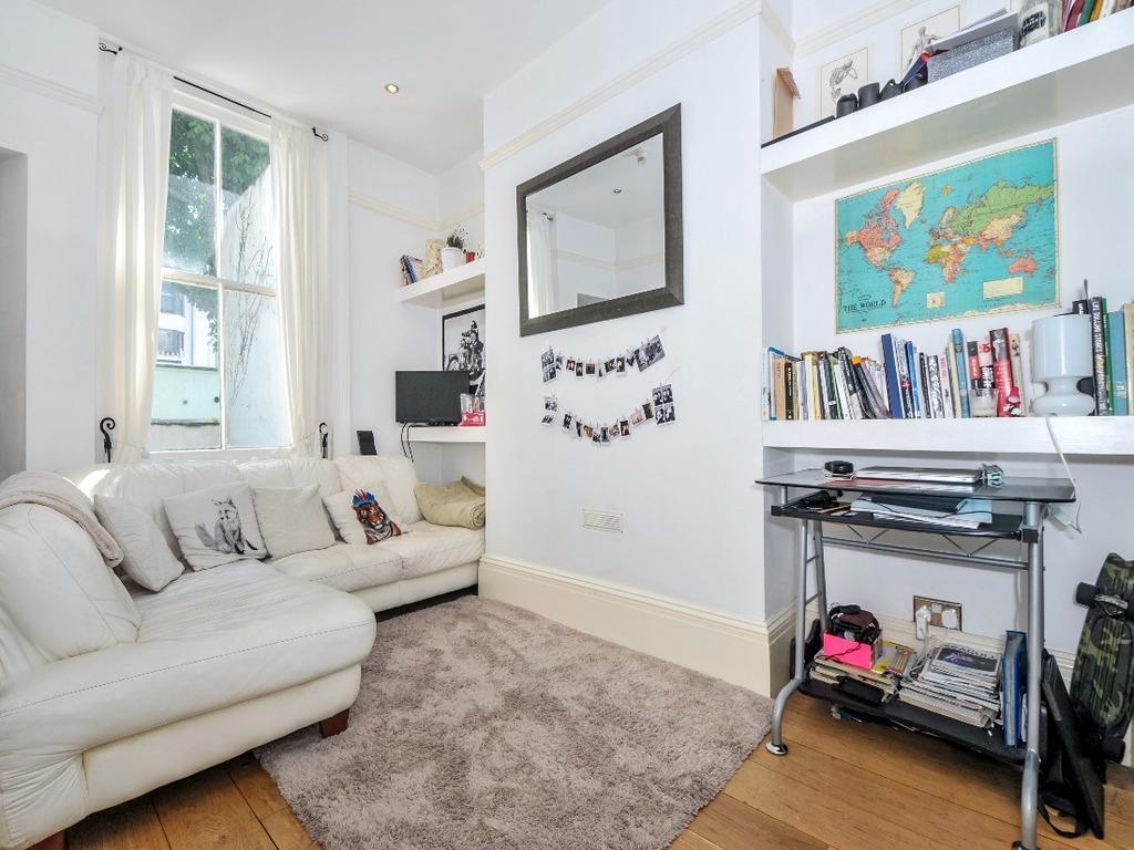 1 Bedroom Flat for sale in Burlington Street Brighton East Sussex BN2
