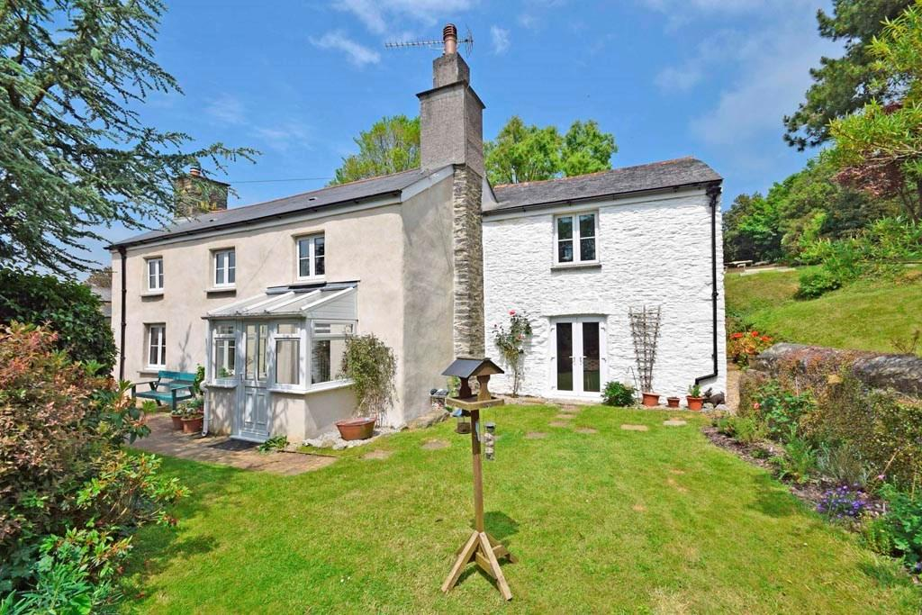 5 Bedrooms Detached House for sale in Tywardreath, Par, Cornwall, PL24