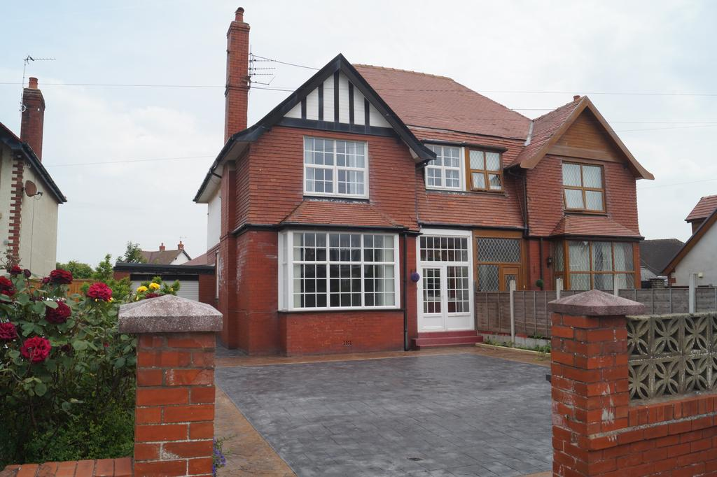 3 Bedrooms Semi Detached House for sale in Thornton Gate, Thornton-Cleveleys, Lancashire, Blackpool FY5
