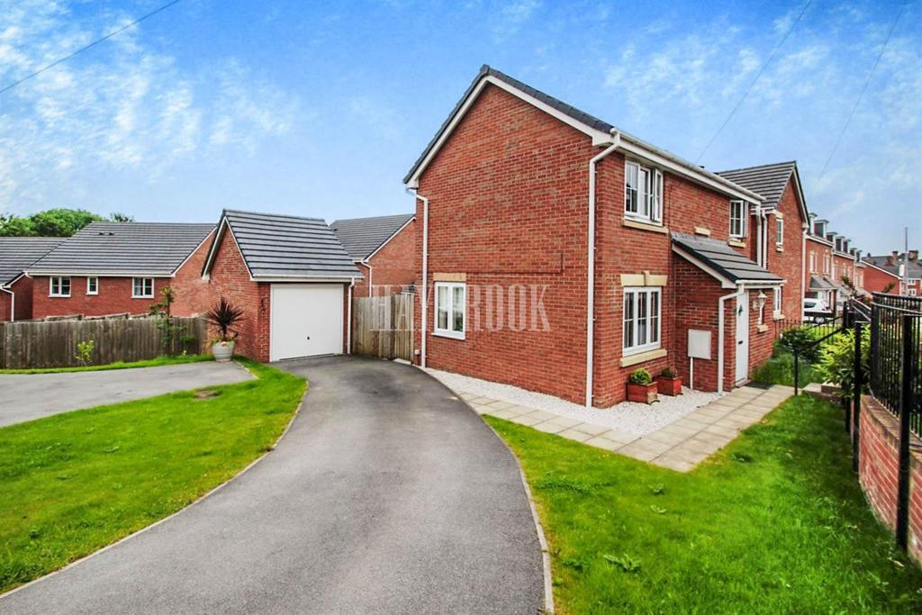 3 Bedrooms Detached House for sale in Hoyle Mill Road, Barnsley