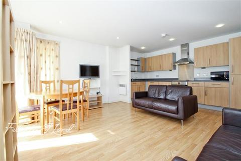 2 bedroom flat to rent - Eastside Mews, E3