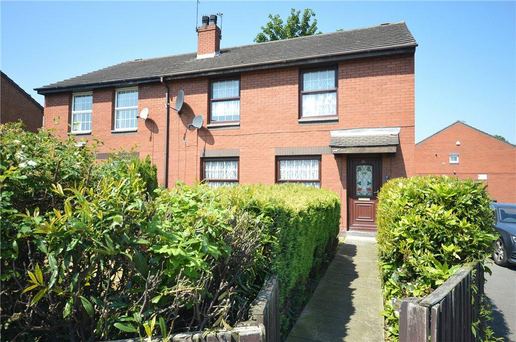 4 Bedrooms Semi Detached House for sale in Ingram Close, Leeds, West Yorkshire