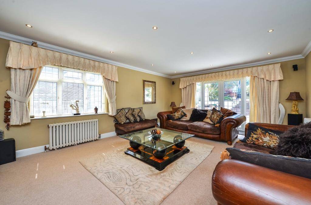 6 Bedrooms Detached House for sale in Tredcroft Road Hove East Sussex BN3