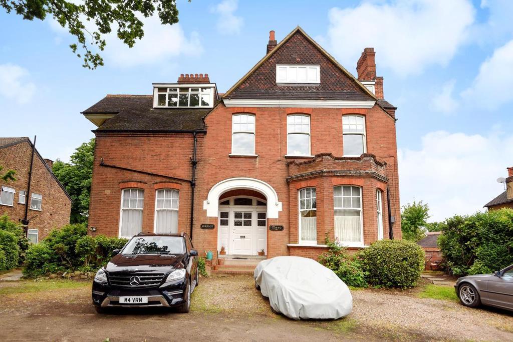 2 Bedrooms Maisonette Flat for sale in Copers Cope Road, Beckenham, BR3