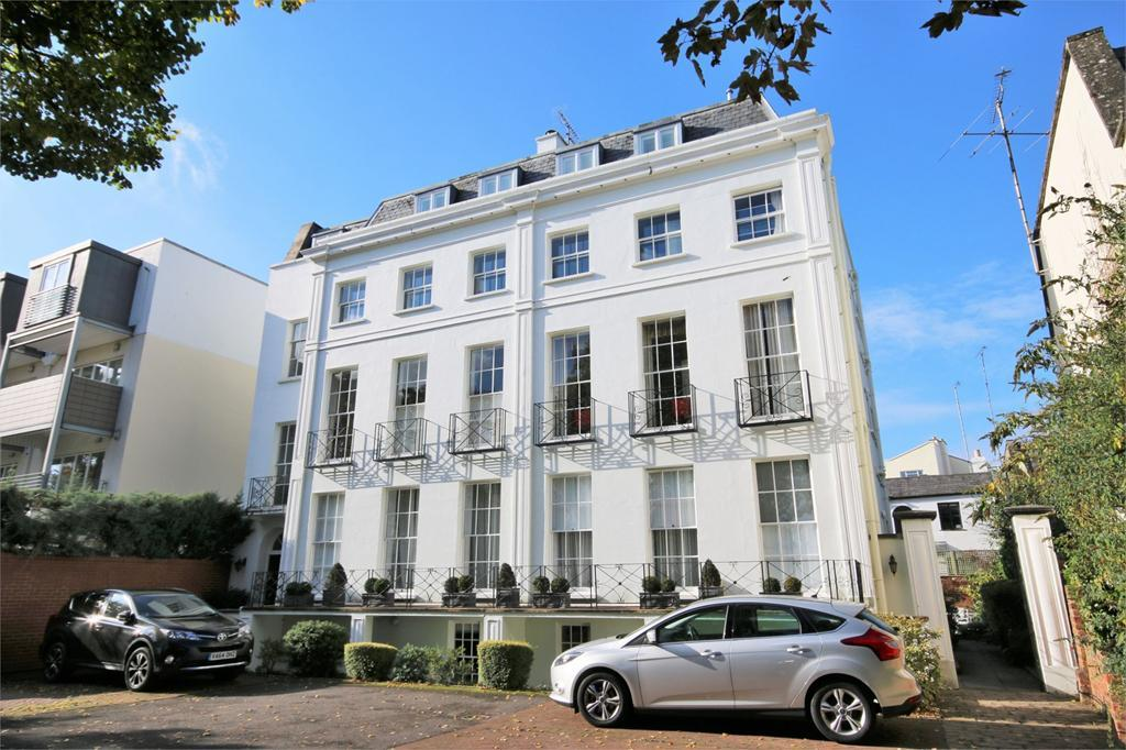 3 Bedrooms Apartment Flat for sale in Vittoria Walk, Cheltenham