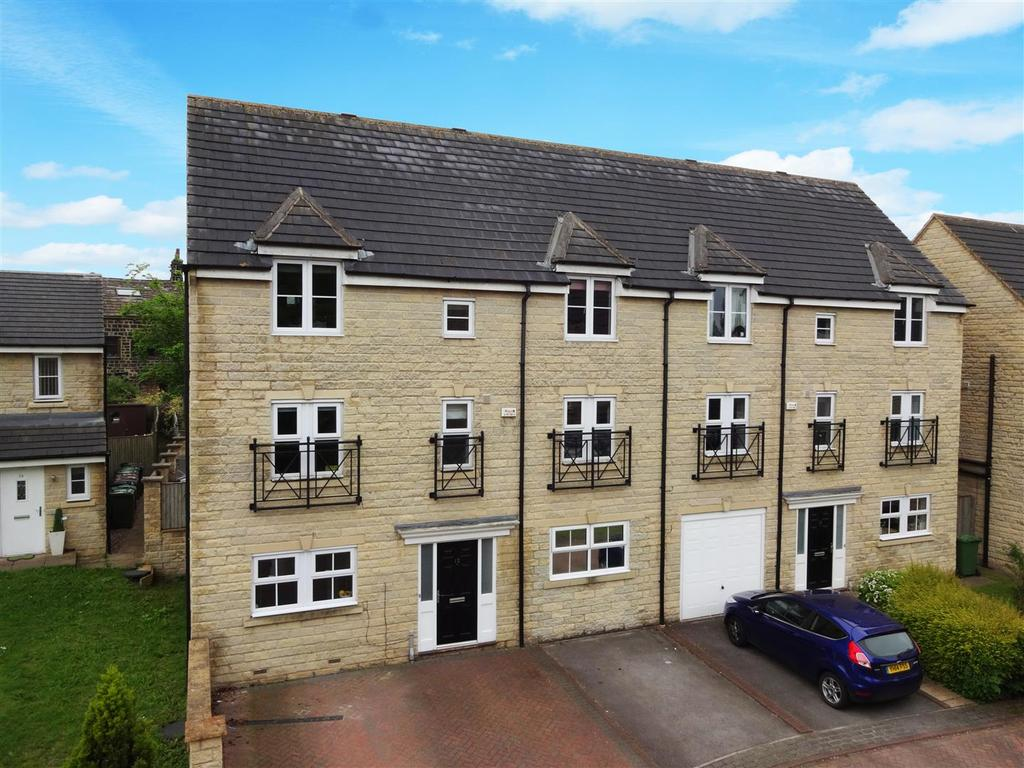 7 Bedrooms Semi Detached House for sale in Cairn Avenue, Guiseley, Leeds