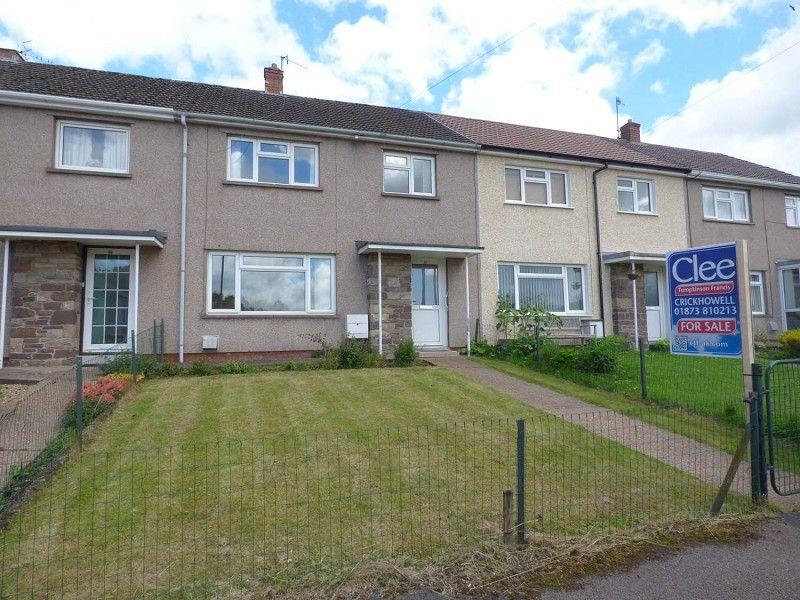 3 Bedrooms Terraced House for sale in 32 Bryn Nant, Crickhowell, Powys.